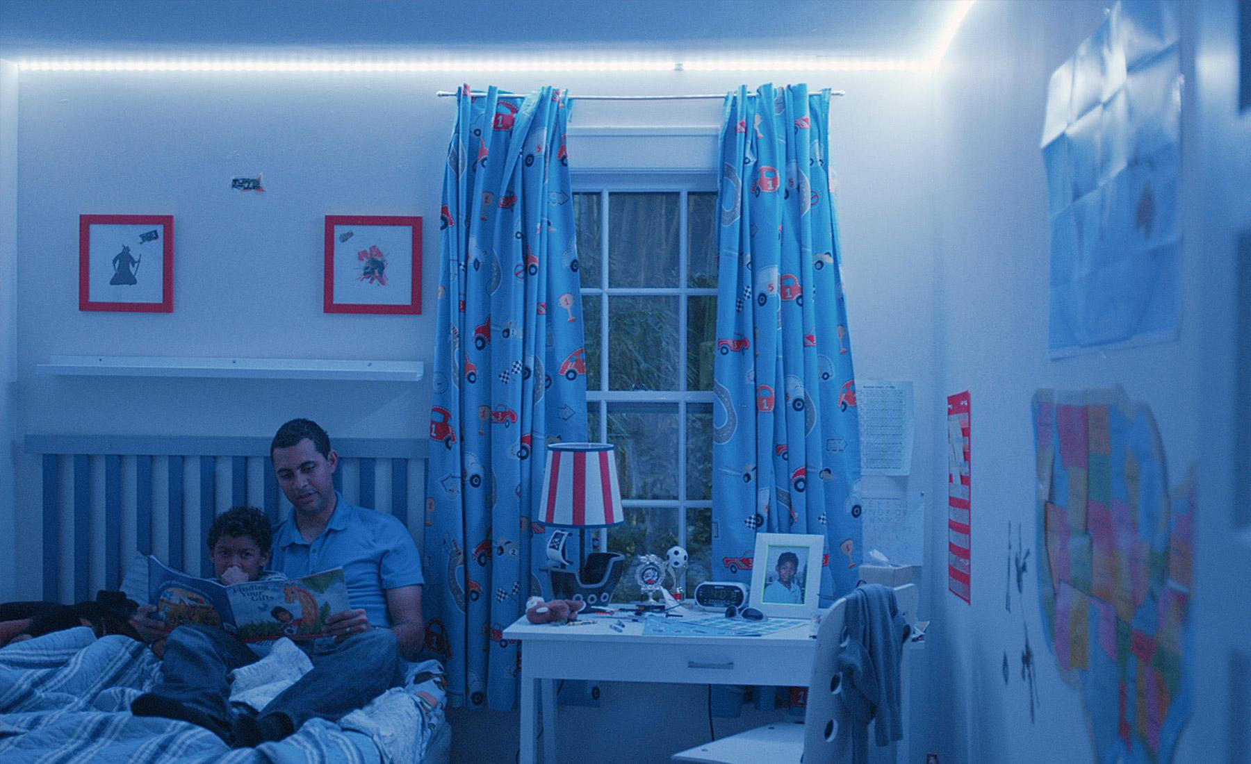 hero_03 Schöne Philips Friends Of Hue Lightstrips Dekorationen